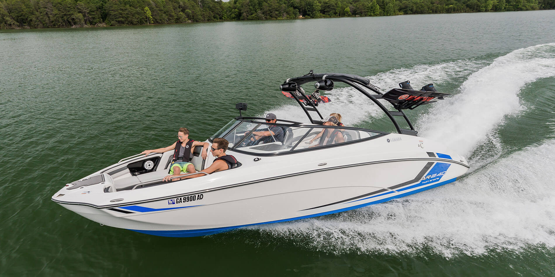Yamaha boats ar240 2018 white blue cruising wakeboards for 2018 yamaha jet boat